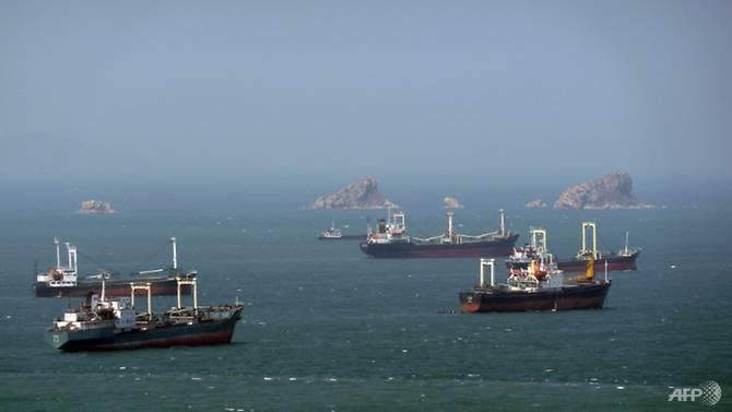 "UN สั่งแบนเรือ 4 ลำห้ามจอดเทียบท่าทั่วโลก หลังพบขน ""สินค้าต้องห้าม"" จากโสมแดง"