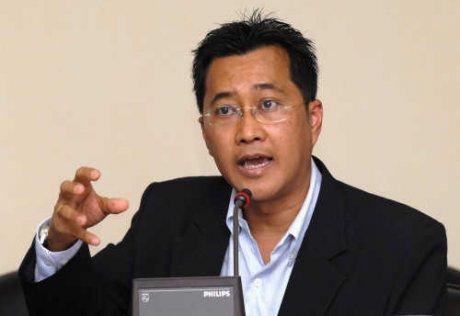 รองศาสตราจารย์ ดร.อัทธ์ พิศาลวานิช ที่ปรึกษาโครงการพัฒนาระบบตลาดภูมิภาครองรับตลาดประเทศเพื่อนบ้าน กรมการค้าภายใน กระทรวงพาณิชย์