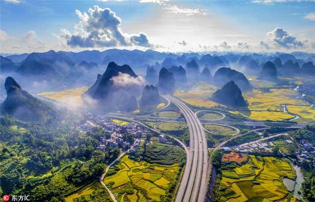 ทางด่วน เหอผู่-นาโพ (เอส60) ในเขตปกครองตนเองกว่างซี ทางใต้ของจีน (ภาพไอซี)