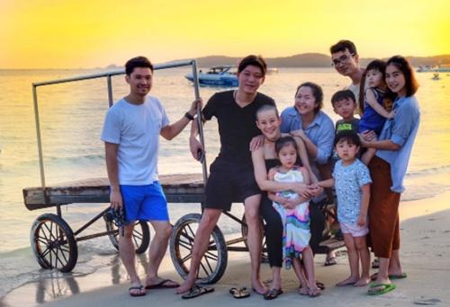 """อบอุ่น """"หนิง ปณิตา"""" พาครอบครัวเที่ยวเกาะเสม็ด"""