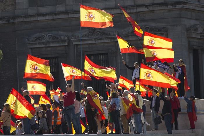 คอลัมน์นอกหน้าต่าง:  ยังใช่ว่าจะ'ปิดเกม'ได้ง่ายดาย หลัง'สเปน'ประกาศยึดอำนาจปกครองตนเองของ 'กาตาลุญญา'