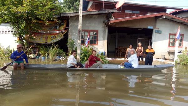 น้ำชีไหลเชี่ยวเซาะกระสอบทรายพังท่วมบ้านท่าค้อ ชาวบ้าน 76 ครัวเรือนเดือดร้อน