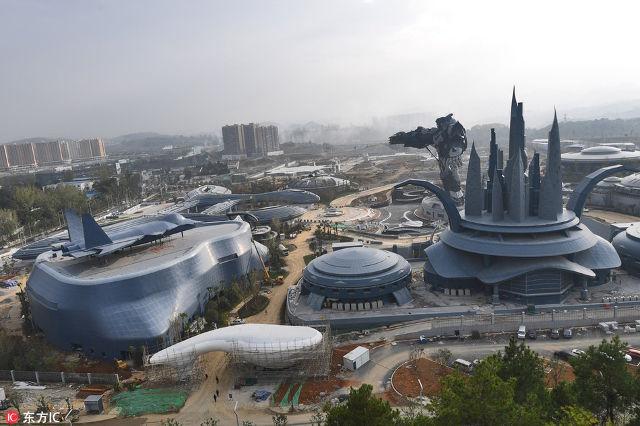 """ดิสนีย์แลนด์หลบไป! จีนใช้เทคโนโลยี VR เนรมิต """"ฐานทัพมนุษย์ต่างดาว"""" เป็นจ้าวสวนสนุกแห่งโลกอนาคต"""