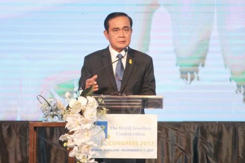 """""""บิ๊กตู่"""" ตั้งเป้า 5 ปีไทยเป็นศูนย์กลางอัญมณี เน้นมาตรการภาษี-ยกระดับฝีมือแรงงาน"""