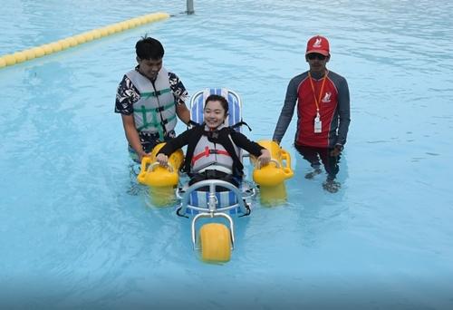 ซานโตรีนี พาร์ค จัดเต็มแห่งแรกในไทย เครื่องเล่น อุปกรณ์ให้ผู้พิการและผู้สูงอายุ