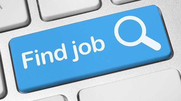 งานว่างมีอีกกว่า 5 หมื่นอัตรา ชวน นศ.จบใหม่ค้นหางานผ่านแอปฯ Smart Job Center