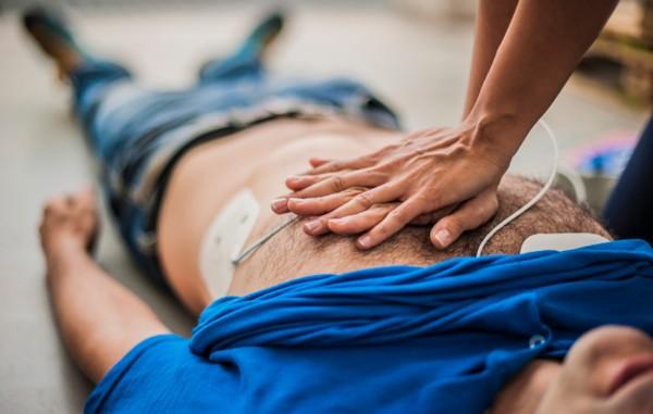 หายใจเฮือก-พะงาบ หนึ่งอาการหัวใจหยุดเต้น ให้รีบทำ CPR