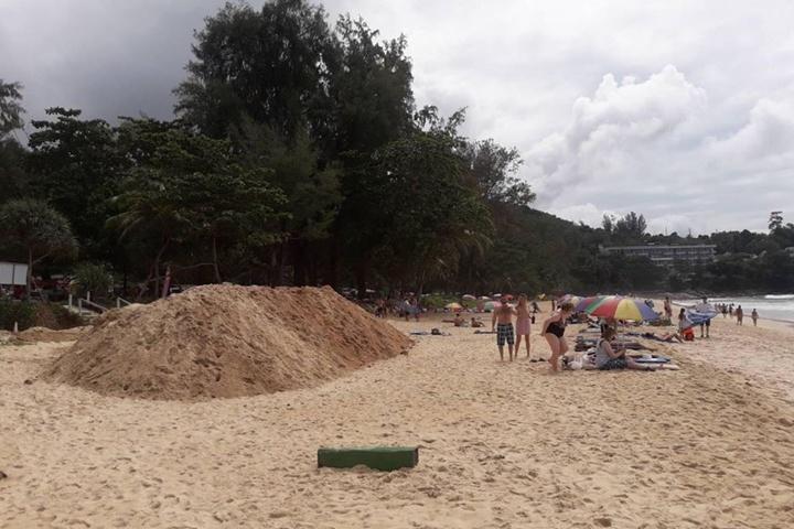 พ่อเมืองภูเก็ตสั่งชะลอโครงการก่อสร้างเขื่อนป้องกันตลิ่งริมทะเล หาดสุรินทร์
