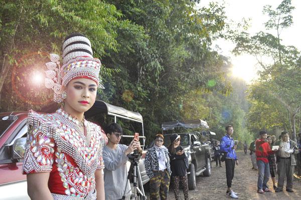 """ใสๆ วัยรุ่นชอบ พระเอกลิเกดาวรุ่ง """"อั่งเปา – ธนูทอง"""" ตัวแทนท่องเที่ยววิถีไทย"""