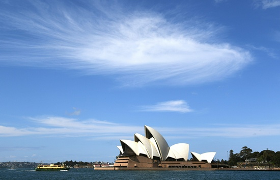 International students and backpackers working in Australia are subjected to systemic wage theft, with about one-third paid half the minimum wage and those from Asia the worst-hit, a study found Tuesday. -- Photo: AFP