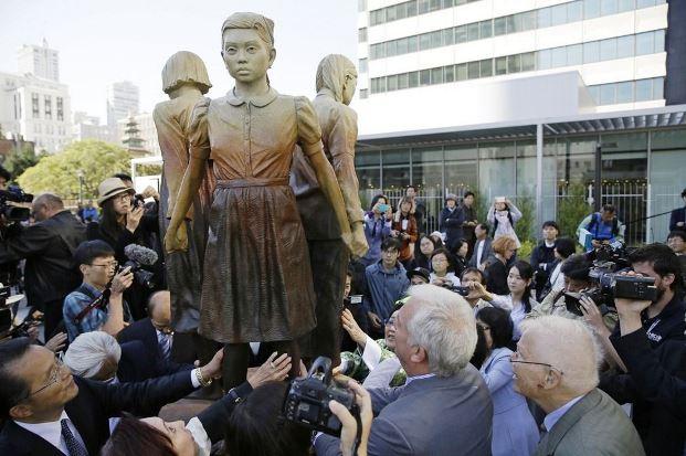 """ญี่ปุ่นยั๊วะ เกาหลีใต้ตั้ง """"วันสตรีผู้ให้ความสำราญ"""" รำลึกประวัติศาสตร์ """"ทาสกาม"""""""