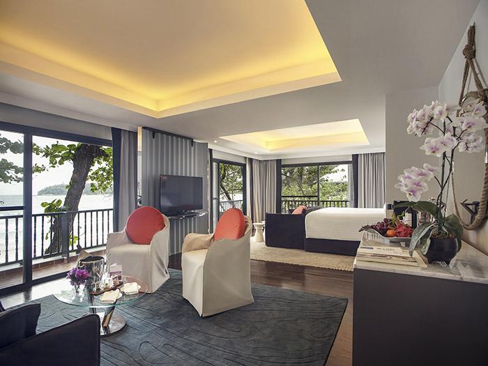 ห้องพักแบบ บีชฟร้อนท์ สวีท (Beachfront Suite)