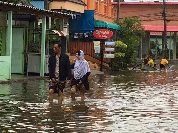 สถานการณ์น้ำท่วมใน จ.ยะลา ล่าสุดชาวบ้านได้รับผลกระทบแล้วกว่า 1.6 หมื่นครัวเรือน