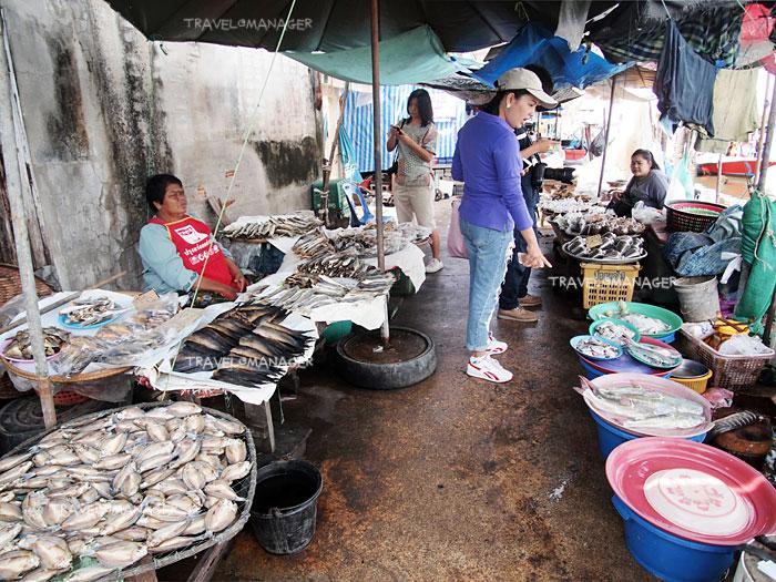 นานาอาหารทะเลขายที่ตลาด