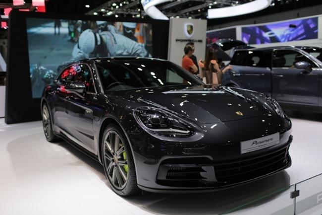 ปอร์เช พานาเมรา สปอร์ททัวริสโม(Porsche Panamera Sport Turismo)
