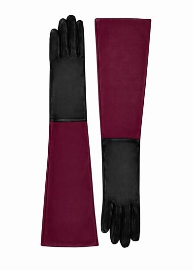 ถุงมือหนังลูกแกะ มาพร้อมสองเฉดสีที่ตัดกันอย่างสีดำและแดง