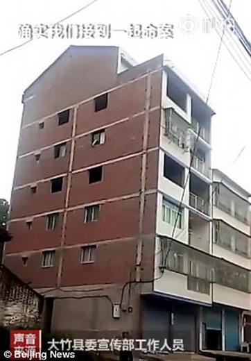 อพาร์ทเมนต์ซึ่งเป็นที่เกิดเหตุ เด็กชายจีนวัย 13 ขวบลงมือฆ่าตัดหัวแม่ของตนเองเมื่อวันอาทิตย์ที่ผ่านมา