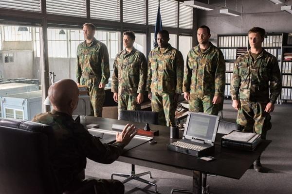 """ขนทัพนักแสดงส่งต่อความมันส์ ใน """"เรเนเกดส์ ทีมยุทธการล่าโคตรทองใต้สมุทร"""""""