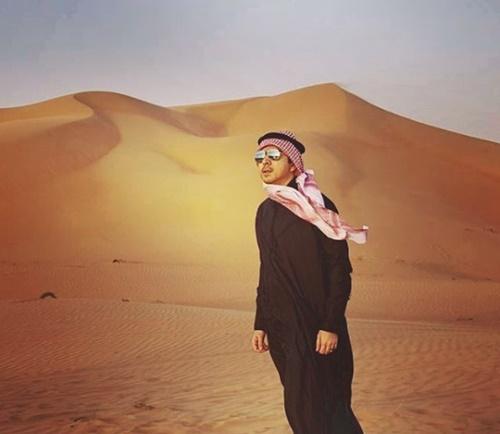 """หล่อตลอดกาล """"แซม ยุรนันท์"""" กับมาดท่านชายกลางทะเลทราย"""
