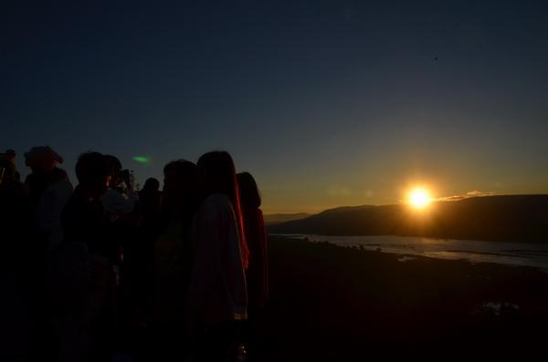 คาดนักท่องเที่ยวกว่า 2 หมื่นคน แห่ขึ้นผาแต้มชมแสงตะวันใหม่ปี 61