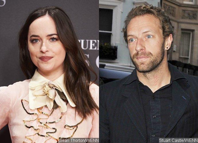 """สาวแซ่บแห่ง Fifty Shades """"ดาโกต้า จอห์นสัน"""" เดท """"คริส มาร์ติน"""" วง Coldplay"""