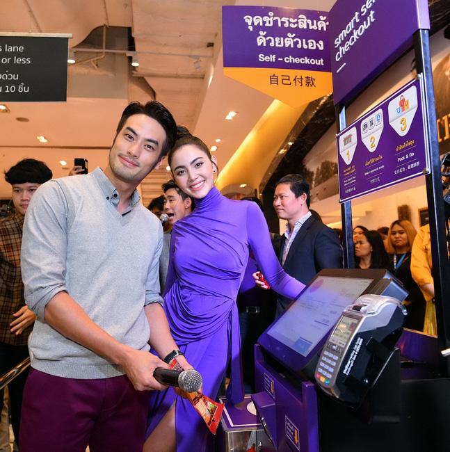เผยโฉมไลฟ์สไตล์ชอปปิ้งไร้เงินสดครั้งแรกในประเทศไทย