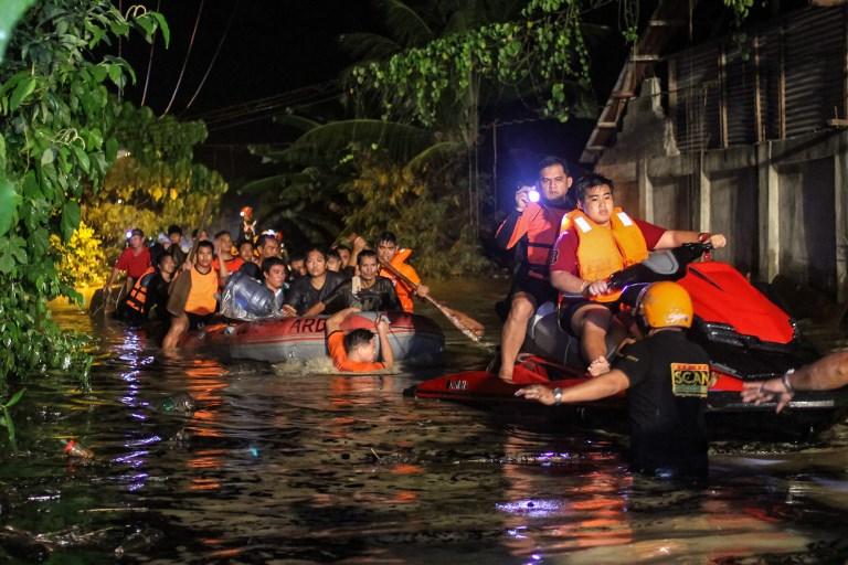 """ยอดตายพายุ """"เทมบิน"""" ถล่มภาคใต้ฟิลิปปินส์พุ่ง 90 ศพ-สูญหายหลายราย"""