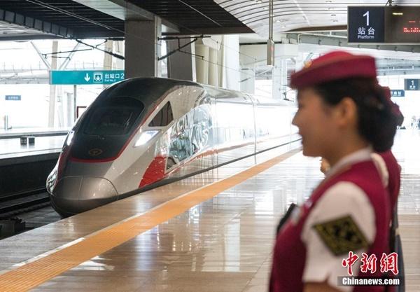 การรถไฟจีนเตรียมลุยติดตั้งไวไฟบนรถไฟความเร็วสูงทุกขบวน เล่นเน็ตฉิวตลอดการเดินทาง