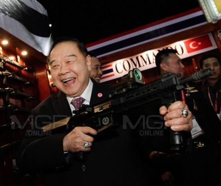 """""""บิ๊กป้อม-ดอน"""" เชื่อปากีฯ จับชาวมาเลย์ขนอาวุธขึ้นบินไทยไม่ใช่จี้เครื่องบิน ยันไม่เกี่ยวก่อการร้าย"""