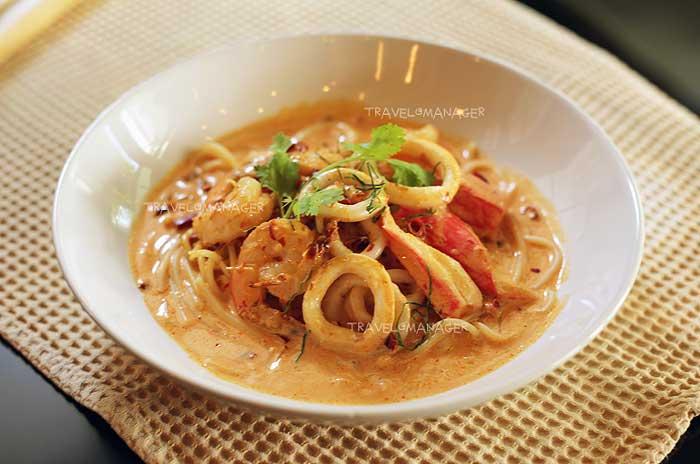 Spaghetti Tom Yum Cream Seafood
