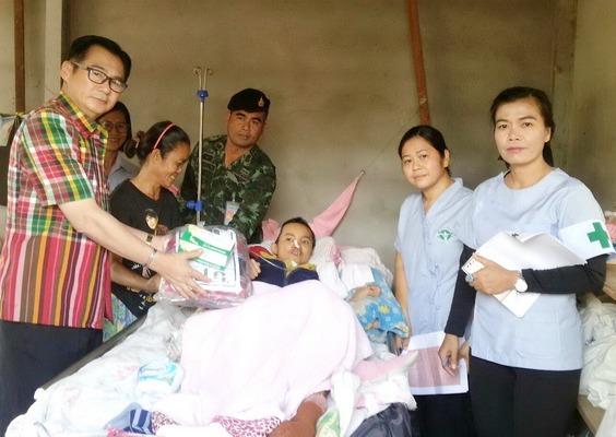 ทหารนำเครื่องกันหนาวมอบให้คนป่วยติดเตียงและผู้ด้อยโอกาสในชนบท