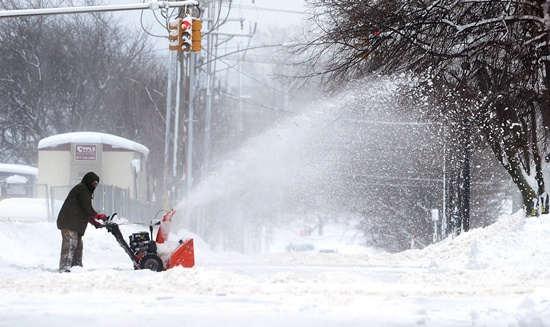 Christmas storm breaks records in US lakeside city