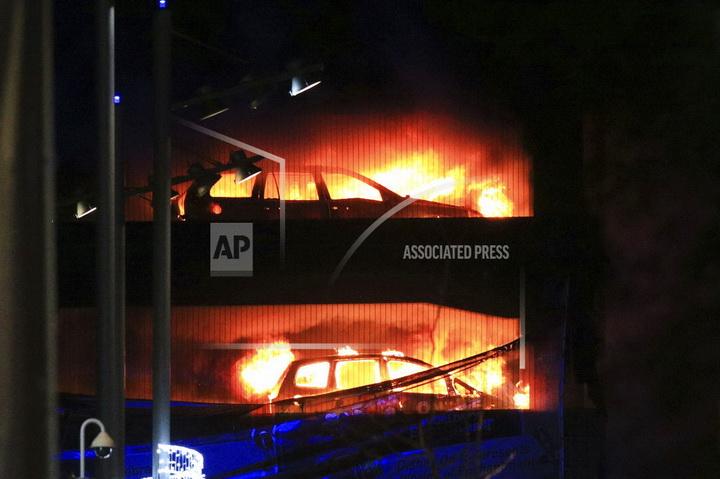 ไฟไหม้อาคารจอดรถเมืองลิเวอร์พูล เพลิงเผาพลาญรถยนต์วอดกว่า1,400คัน