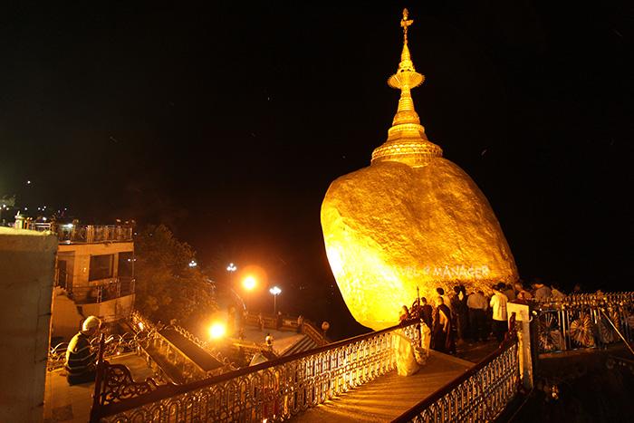พระธาตุอินทร์แขวน นับเป็น 1 ใน 5 สิ่งศักดิ์สิทธิ์สำคัญสูงสุดของพม่า