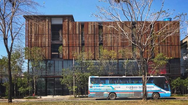 """ของดีเมืองแปดริ้ว """"อาคารเหล็กสีสนิม"""" ย่าน บขส. ฉะเชิงเทรา คาดเปิดตัวปีนี้"""