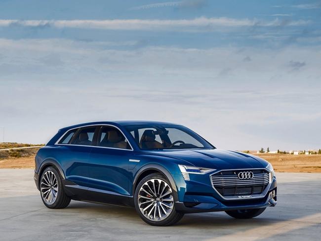มาแน่นอนสำหรับ Audi e-Tron และจะเป็น SUV ที่ใช้พลังไฟฟ้ารุ่นแรกของโลกที่จำหน่ายในเชิงพาณิชย์ด้วย