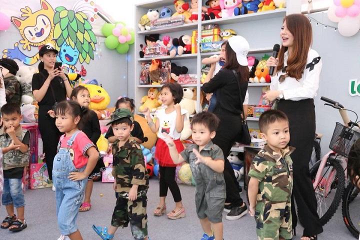 """กองทัพบก จัดงานวันเด็ก ปี 61  """"รวมใจเด็กไทย สืบสานพระราชปณิธาน"""""""