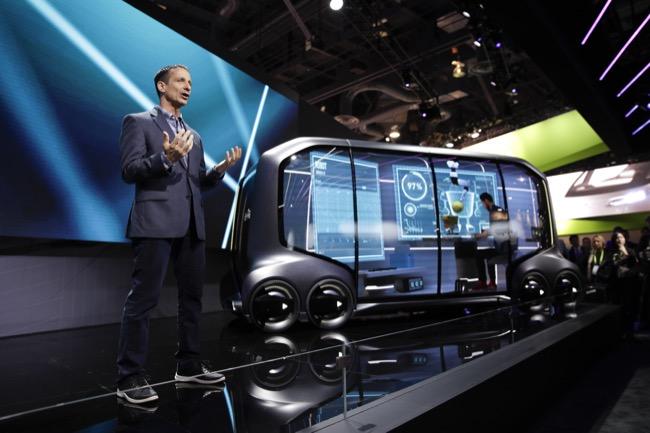 Toyota ระบุว่ากำลังพัฒนารถบัสขนาดย่อมหรือมินิบัสที่ขับเคลื่อนด้วยตนเอง
