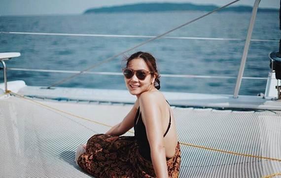 หวานทะเลจืด! เมื่อหญิงแอร์ใส่ชุดว่ายน้ำอ้อนคุณสามี
