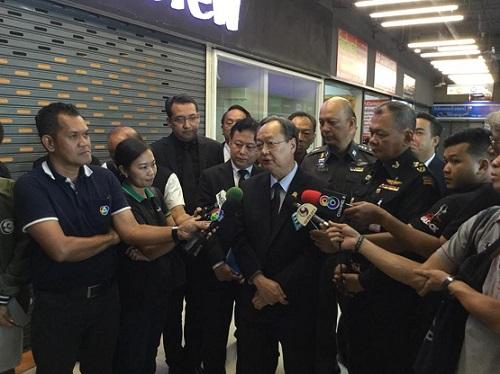 """""""สนธิรัตน์"""" ย้ำไทยหลุดบัญชีตลาดขายสินค้าละเมิด ช่วยเสริมบรรยากาศการค้า การลงทุน"""