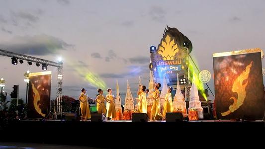 มีดีต้องบอก! พ่อเมืองนครพนมหอบแคมเปญท่องเที่ยว 12 เดือนโชว์ในงานเที่ยวเมืองไทย
