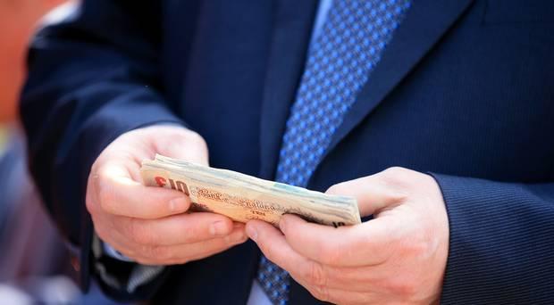 """""""อ็อกซ์แฟม"""" ชี้คนรวย 1% โกยทรัพย์สิน 82% ของโลกที่งอกเงยในปี 2017"""