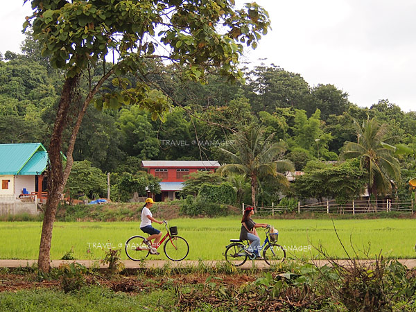 ปั่นจักรยานเที่ยวชมหมู่บ้าน