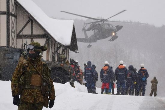 Fresh tremors halt search ops after Japan volcano eruption