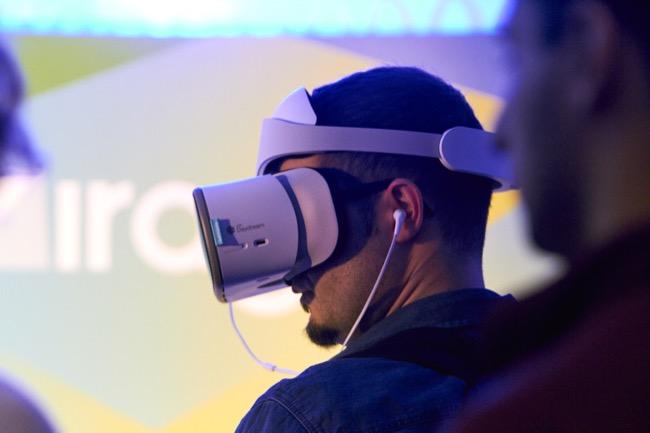 ตอนนี้เลอโนโวไม่ได้เป็นแค่ผู้จำหน่ายพีซี แต่เพียงอย่างเดียวแล้ว แต่เข้ามาอยู่ในตลาดอย่างลำโพงอัจฉริยะ สมาร์ททีวี AR/VR