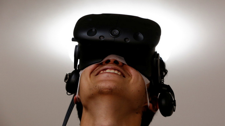 เอาใจขาหื่น!! บ.เกมสหรัฐฯเปิดตัวเกมฉาว สวมกล้อง VR เลือกเมกเลิฟกับดาราหนังโป๊ได้ตามต้องการ (ชมคลิป)