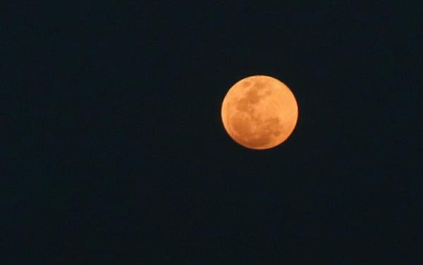 ถือฤกษ์พระจันทร์สีเลือด สาวดวงเฮงถูกลอตเตอรี่ 12 ล้านจ้างนางรำรำถวายพ่อปู่พญานาค