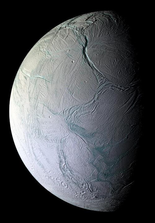 Enceladus: ดวงจันทร์ของดาวเสาร์ที่อาจมีสิ่งมีชีวิต