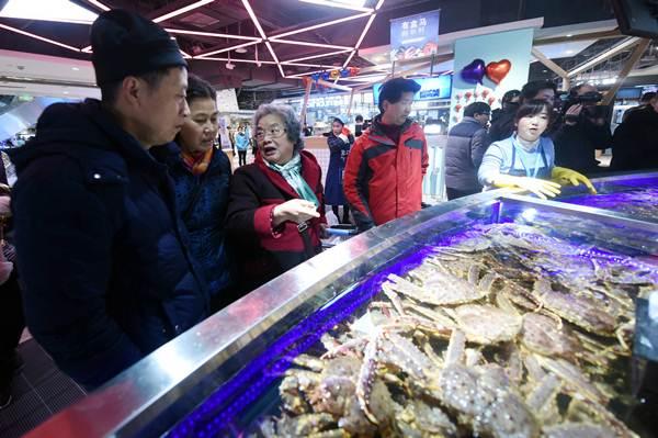 ตลาดสดออนไลน์ในจีนกำลังบูม ผลไม้ขายดีสุด