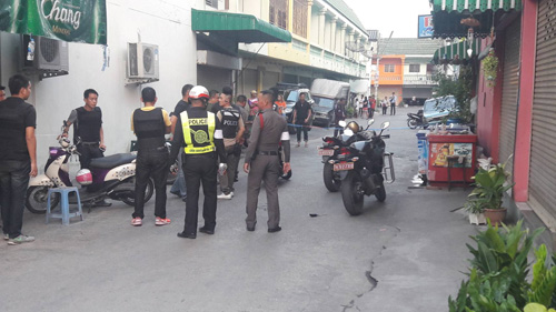 หนุ่มเมาสุราใช้อาวุธปืนยิงตำรวจหนองขาม-ตำรวจอาสา ดับ 1 สาหัส 1